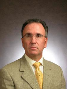 Prof. Olavo Pires de Camargo - Coordenador do Programa de Pós-Graduação