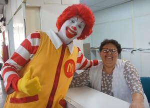 Encerrando, Ronald MacDonald visitou pacientes e funcionários