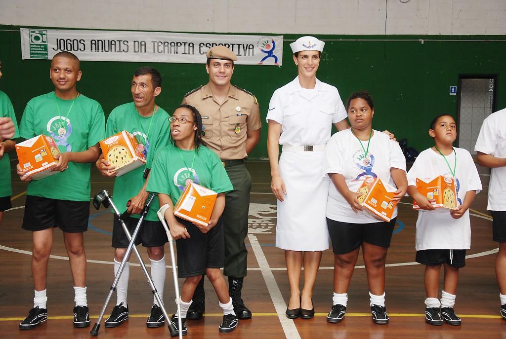 Presença de voluntários da Marinha e do Exército